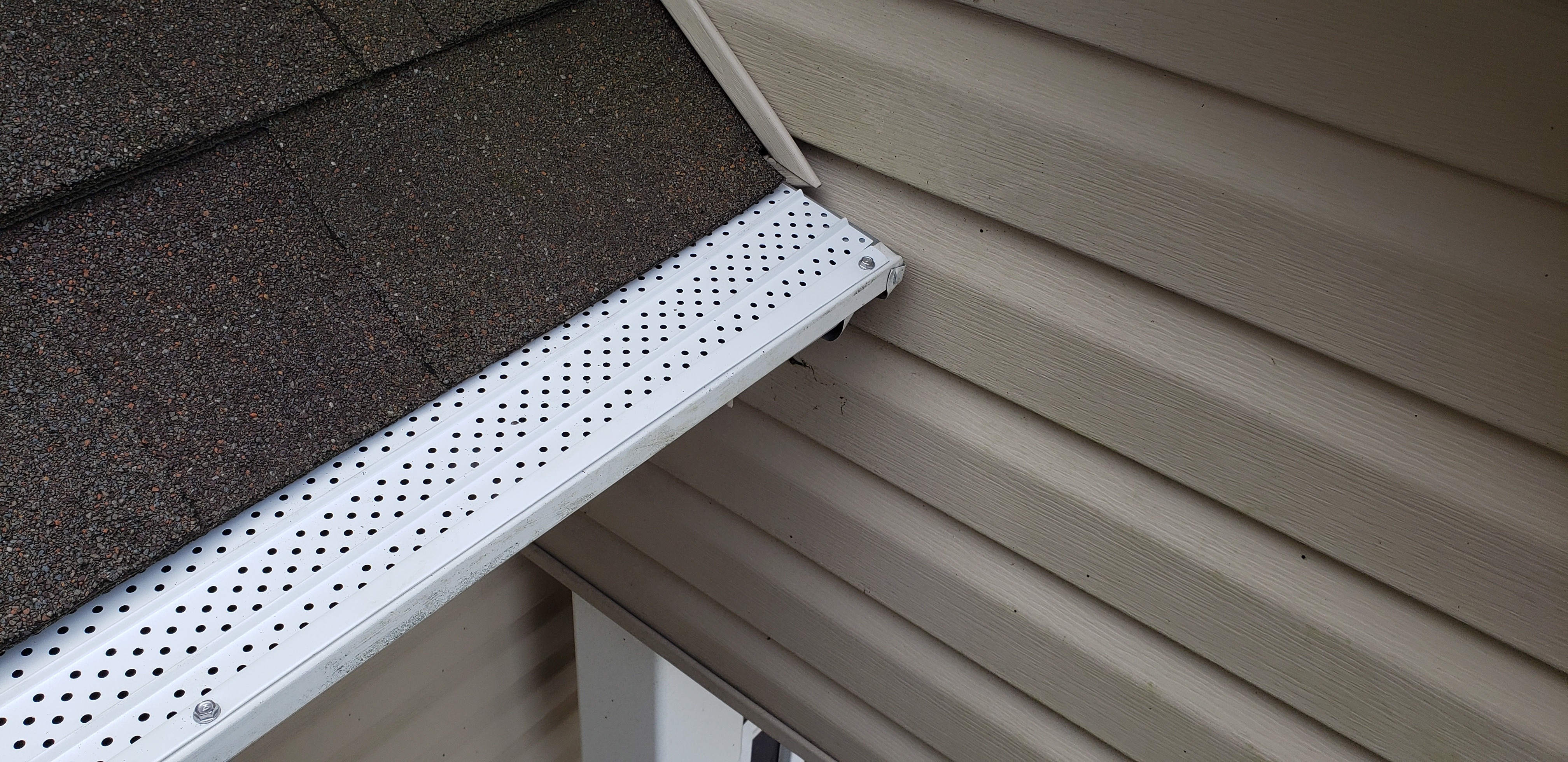 Gutters stay clean with gutter covers installed
